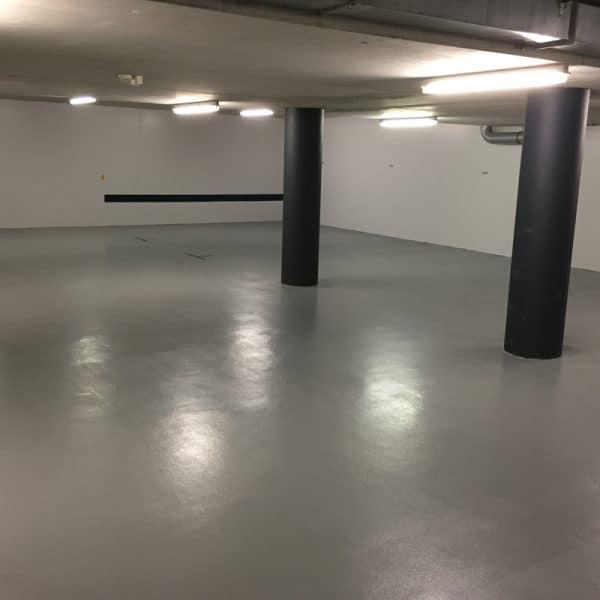 Vloercoating parkeergarage VVE - Schildersbedrijf J. van Dijk & Zn.