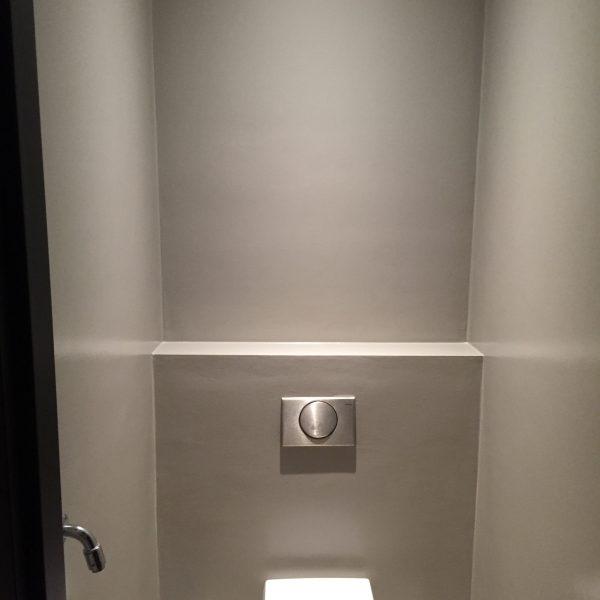 Renovlies waterproof in toilet - Schilderbedrijf J. van Dijk & Zonen B.V. Veenendaal